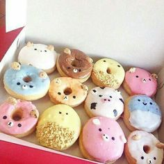 Is it donuts or doughnuts? Delicious Donuts, Delicious Desserts, Yummy Food, Köstliche Desserts, Dessert Recipes, Kawaii Dessert, Cute Donuts, Donut Shop, Donut Recipes