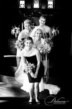 sister wedding picture :) this is ADORABLE!!