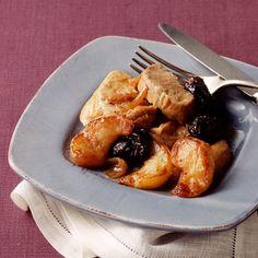 Découvrez la recette Filet mignon de porc aux pommes et aux pruneaux sur cuisineactuelle.fr.
