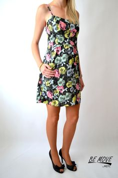 Pomalu se nám blíží konec léta, a proto si ho musíš ještě pořádně užít. Máme pro tebe nové oblečení Tally Weijl, kde můžeš najít tyto parádní šaty a mnoho jiných kousků do tvého šatníku.   Vše najdeš už brzo na našem eshopu http://eshop.bemove.cz/  Krásnou neděli ti přeje BEMOVE
