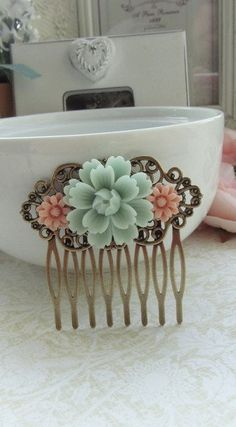 Vintage inspired bridal hair comb...