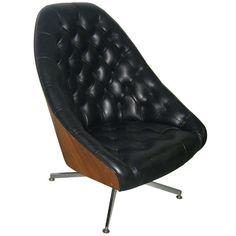 A Milo Baughman for Thayer-Coggin Tufted Swivel Chair ca1960's