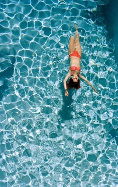 So much pleasure in the pool #lifestyle