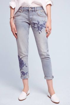 15 Embroidered Jeans for Spring That Will Have You Putting Flowers on ALL Your Denim | how to style embroidered jeans | embroidered jean fashion tips | spring style | spring outfit ideas | style for spring || Glitter, Inc.