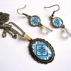 Set de bijuterii cu motive traditionale romanesti - idei cadouri femei - pandantiv si cercei