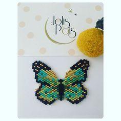 On m'a demandé un papillon pour un anniversaire. J'espère qu'il plaira à sa future propriétaire.  ©JolisPois. Modèle déposé le 22/05/17. No commercial use. Thanks