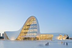 Zaha Hadid - Haydar Aliyev Kültür Merkezi Bakü - Azerbaycan. 2013