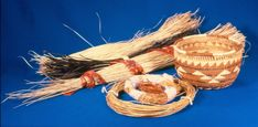 Basket Weaving For Kids Pictures 40 Ideas For 2019 Native American Baskets, Native American Art, American Indians, Diy For Kids, Crafts For Kids, Arts And Crafts, Fire Basket, Weaving For Kids, Indian Baskets