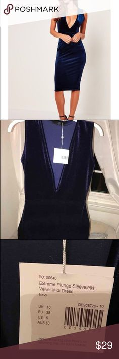 Missguided Midnight Blue Velvet Midi Dress Runs big and would better fit a medium size 8/10 Dresses Midi