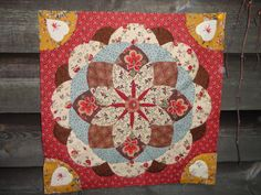 Details from Quilting Jeanette's centre Medallion