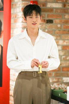 Korean Male Actors, Seo In Guk, Korean Babies, Korean Drama, Drama Korea, Business Fashion, Korean Singer, Superstar, Kdrama