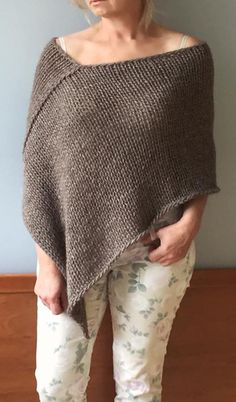 Alpaca poncho 4 natural colors Knit beige poncho Knit crop top Wool poncho Loose knit poncho Knit alpaca wrap Owersized alpaca wrap poncho