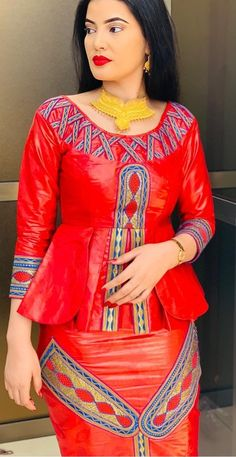 African Maxi Dresses, Latest African Fashion Dresses, African Print Fashion, Couples African Outfits, African Attire, Nigerian Outfits, African Print Dress Designs, American Dress, Lassi