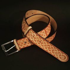 Hand carved celtic leather belt.  #handmade #leathercraft #belt #leatherbelt #pas #leather #leathergoods #tomian #tomian_handmade
