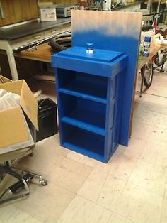 Instructions on how to make your own Tardis Bookshelf