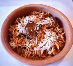 Giouvetsi recipe (Greek Beef stew with Orzo pasta) - My Greek Dish Orzo Pasta Recipes, Pasta Dishes, Bon Ap, Veal Recipes, Crockpot Recipes, Chicken Recipes, Cooking Recipes, Lamb Stew, Greek Cooking