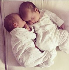 68 trendy baby girl newborn pics to get Cute Baby Twins, Twin Baby Girls, Cute Little Baby, Baby Kind, Twin Babies, Little Babies, Cute Baby Pictures, Newborn Pictures, Twin Baby Photos