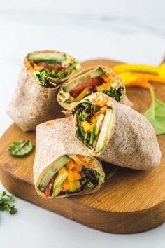 Hummus Veggie Wrap #Chickpea #garbanzobeans #garbanzos #chickpeas #cook #dinner #vegan #veganrecipes #veganfood #healthylifestyle #healthy #healthyfood #nutrition Vegan Hummus Wrap, Healthy Hummus, Make Hummus, Avocado Hummus, Hummus Recipe, Easy Meal Prep Lunches, Quick Meals, Easy Dinners, Healthy Lunch Wraps
