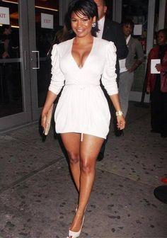 Nia Long Style, Fashion & Looks - Stylebistro Nia Long, Beautiful Black Women, Beautiful People, Pretty People, Divas, Dating Older Women, Meagan Good, Sexy Ebony, Ebony Beauty