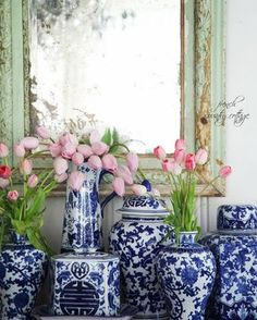 Shabby Chic furniture and style of decor displays more 'run down' or vintage items, or aged furniture. Shabby Chic is the perfect style balanced inbetween vintage and luxury, or '… Blue And White China, Blue China, Pink Blue, Aqua, French Decor, French Country Decorating, Urban Deco, Vibeke Design, French Country Cottage