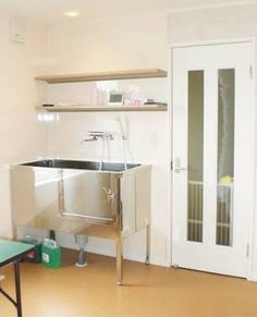 「トリミングルーム 自宅」の画像検索結果 Bathroom Medicine Cabinet, Storage, House, Furniture, Home Decor, Purse Storage, Decoration Home, Home, Room Decor