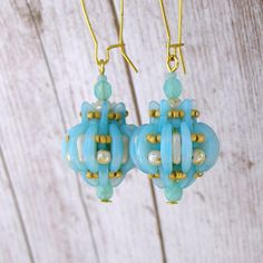 Earrings Proteish Mint - by Iva Jar. (Bijioux)  inspired by Protea Beaded Bead by Ivona Suchmannova