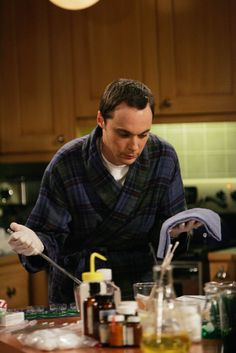"The Big Bang Theory ""The Pancake Batter Anomaly"" S1EP11"
