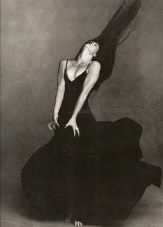"""Torn Roots, Broken Branches"" Modern Dancer Margie Gillis as photogrphed by Annie Leibovitz"