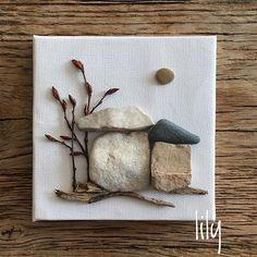 Ege sahillerinden mini taşlarım / pebbles from Egean shores orda bir köy var uzakta serisi #minitaşlarım #pebbleart #minitaşlar#handcraft #handcrafted #çakıltaşısanatı #köy #sahiltaşları #artwork #craft #tasarim #instaart #stoneart #natureart
