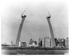 Eero Saarinen's Gateway Arch under construction in St. Louis during the 1960s / photo courtesy National Park Service, Jefferson National Expansion Memorial, Missouri, USA