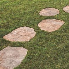 Create a distinctive path or patio with the help of this durable Oldcastle Epic Stone Silex Gray Irregular Concrete Step Stone. Stepping Stone Pathway, Flagstone Path, Concrete Stepping Stones, Concrete Steps, Paver Pathway, Stone Pathways, Brick Walkway, Backyard Patio Designs, Backyard Landscaping