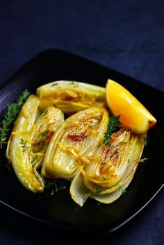 - Braised endives with orange, thyme and pine nuts www. Source by b Healthy Cooking, Healthy Eating, Cooking Recipes, Dishes Recipes, Healthy Food, Vegetable Recipes, Vegetarian Recipes, Healthy Recipes, Vegetable Side Dishes