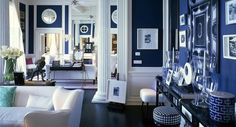 workday.weekend: Blue and White interior