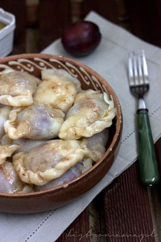 bistro mama: Pierogi ze śliwkami Dumplings, Food Inspiration, Pancakes, Food And Drink, Meat, Chicken, Cooking, Breakfast, Gastronomia