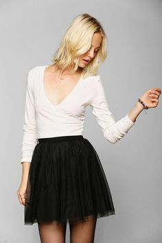 Ballet wrap sweater with short tulle skirt is all grown up! 50 Awesome Looks with Tulle Skirt - Sortashion