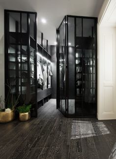 SQUAT ID23b apartment reconstruction in combination of black...