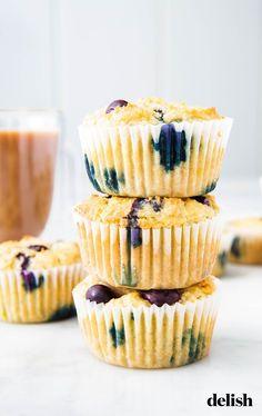 (No Greek yogurt) Keto Blueberry Muffins Will Make You A Morning PersonDelish Keto Blueberry Muffins, Blue Berry Muffins, Keto Dessert Easy, Easy Desserts, Low Carb Dinner Recipes, Keto Recipes, Granola, Keto Food List, Keto Cheesecake