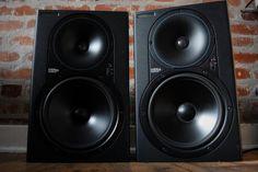 $550 - Pair of MACKIE HR824 Studio Monitor Speakers