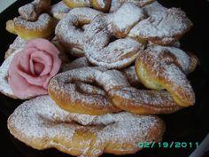 Minciunele.....nevinovate dar gustoase Romanian Recipes, Romanian Food, Cookies, Desserts, Sweets, Deserts, Crack Crackers, Tailgate Desserts, Biscuits