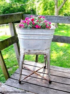 Eightymillion-DIY, Dogs, Photography, Vintage, & Recycling: DIY Recycling Inspiration: Galvanized Vintage Basin Into a Flower Pot (for the garden)