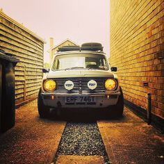 I want a classic mini so badly...