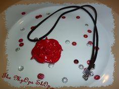 Image - Collier Rose rouge (10 euros) - Bijoux Gourmands en pâte FIMO --> The-Mpops-Shop - Skyrock.com