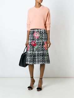 Find superb designer A-line skirts at Farfetch now for a brand new look. Browse luxury skater skirts from highly acclaimed leading labels. Cool Outfits, Fashion Outfits, Womens Fashion, Fashion Trends, Fashion Design, Knit Skirt, Dress Skirt, Dolce Gabbana, Winter Skirt