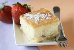 Lychee Butter Cake: I love Lychee's! And this is a quick and easy recipe! Lychee Cake Recipes, Dessert Recipes, Dessert Ideas, Tea Cookies, Strawberry Cakes, Asian Desserts, Coffee Cake, Let Them Eat Cake, Yummy Cakes