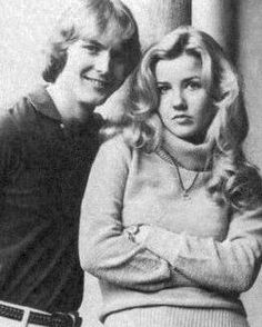 Melody Thomas Scott and Doug Davidson AKA Paul Williams and Nikki Reed. Before Victor was in the picture.