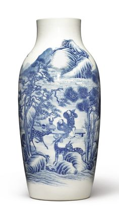 A SOFT-PASTE BLUE AND WHITE VASE QING DYNASTY, 18TH / 19TH CENTURY