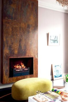17 Modern Fireplace Ideas to Instantly Upgrade your Living Room Interior - Decorate Your Home Metal Fireplace, Home Fireplace, Living Room With Fireplace, Fireplace Surrounds, Fireplace Design, Fireplace Mantels, Living Room Decor, Fireplace Ideas, Industrial Fireplaces