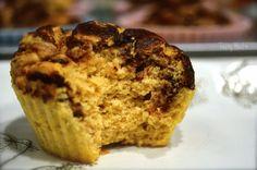 Peanut butter chocolate swirl protein muffins  Ta 2 msk stevia och lite mer kakao