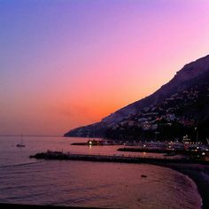 Postcards from the amalfi coast! Cartolina dalla Costiera Amalfitana   #atrani #positano #maiori #amalficoast #spiagge #italy #pompei #coteamalfitane #costieramalfitana #faunopompei #travel #sea #beach #hotelravello #bedandbreakfast #atrani #vietrisulmare #hotel #coast #excursions #cetara #ravello