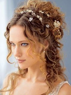 Mode coiffure mariage cheveux frisés mi long                                                                                                                                                                                 Plus